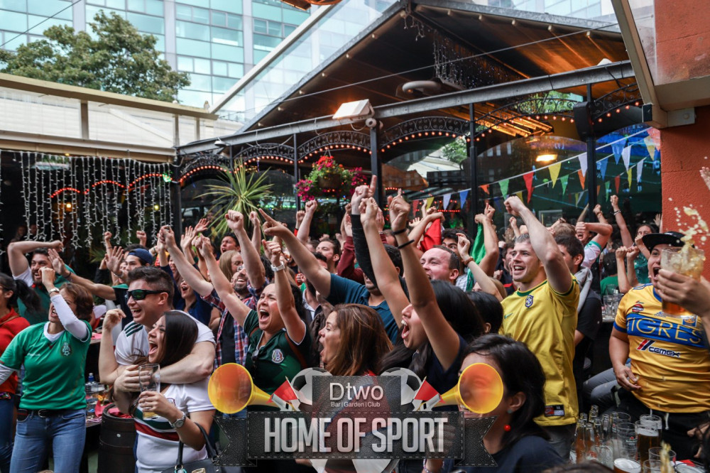 Watch Arsenal v Chelsea with Tony Cascarino at DTwo