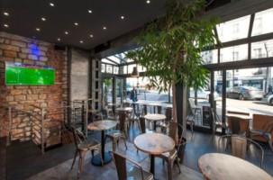 Le 17 Hotel Café