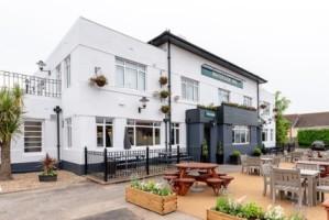 Waterside Inn (Goodrington)