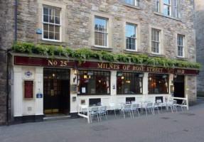 Milnes Bar (Edinburgh)