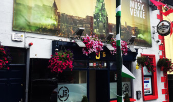 J's Bar & Beer Garden
